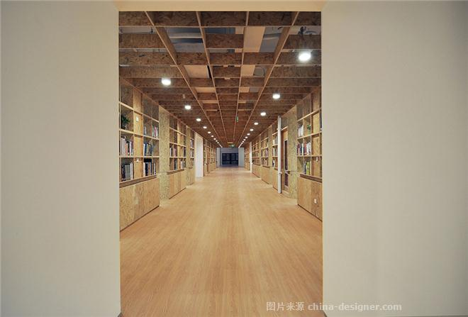 DC���H建筑�O�事�账��k公空�g-倪益新的�O���家�@-�k公�^,��x��,灰色,白色,棕色,奢�A高�F,�e�o�p松,��s大��,�k公室
